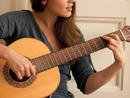 Learn the guitar or ukulele with free online lessons