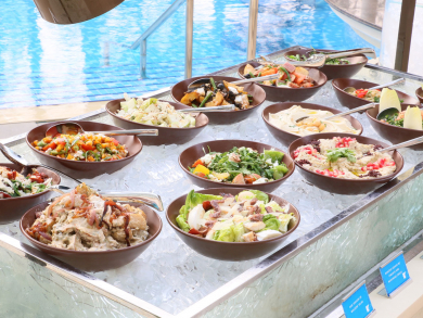 Try the new poolside Saturday brunch at JW Doha