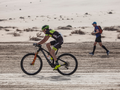 Things to do in Doha: Take part in a desert duathlon