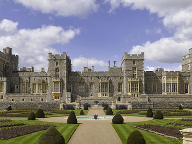 Dreamy castles and palaces around the world you can tour remotely