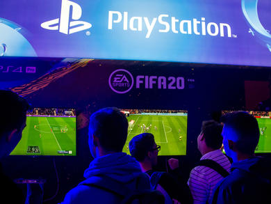 You could win QR8,000 in this Esports football tournament