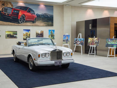 Retro car art exhibition opens in Doha