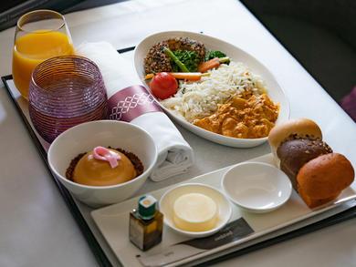 Qatar Airways introduces vegan meals for business class passengers