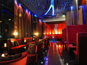 Glo-Cocktail-Bar.jpg
